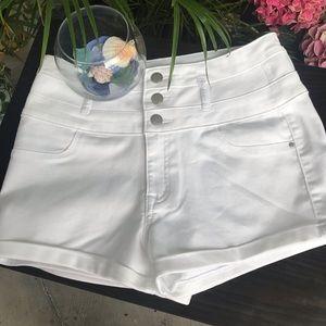 NW Charlotte Refuge White Shorts